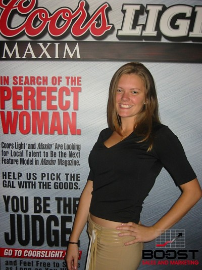 Sexy Coors Light Maxim Girl Search kissing each other