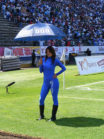 Sexy Corona Beer Girls - Latina Models want to become corona beer girls -with umbrellas